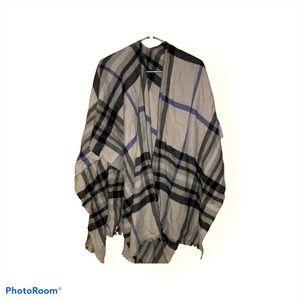 Zara beautiful linen striped poncho